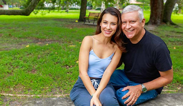 What To Expect When You Date An Older Man - Pros And Cons